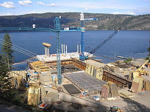 William R. Bennett Bridge - Image: WRB bridge road towers on pontoon two