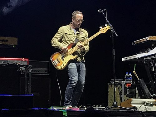 Scott Shriner performing with Weezer at Musikfest in Bethlehem, Pennsylvania on August 5, 2019. Weezer Scott Shriner Bethlehem 2019.jpg