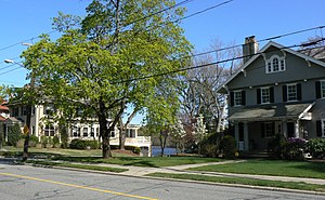 Everett Avenue–Sheffield Road Historic District - Everett Avenue and Niles Lane