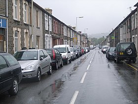Ynysybwl High Street - geograph.org.uk - 564593.jpg