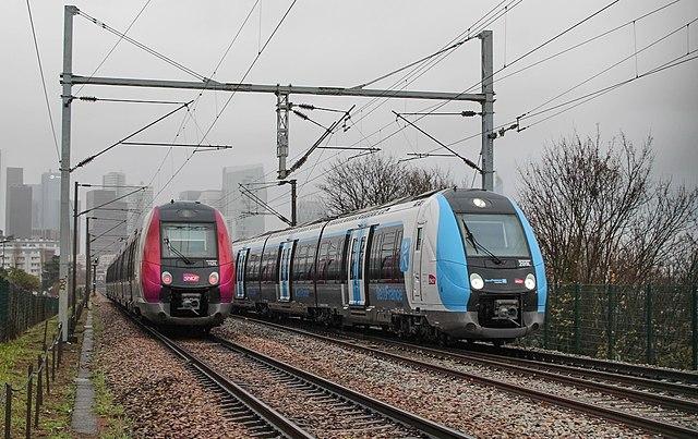 640px-Z50000_IDFM_et_SNCF_Carmillon.jpg