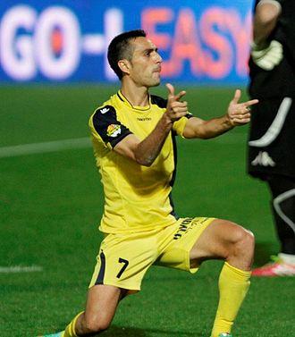 Eran Zahavi - Zahavi celebrating a goal for Maccabi.