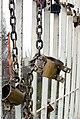Zamki na Tyoschinom mostu 002.jpg
