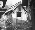 """""""Bajta"""" (domačija sirarna, Zadnjica), Trenta 40, Andrej Hosner, pri Kurtelnu 1952 (cropped).jpg"""