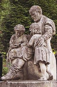 Скульптура на могилі Теодора Торосевича.jpg
