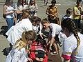 Студенти-медики у Чорткові навчали надавати допомогу у екстрених медичних ситуаціях. Це було цікаво, весело і трішки спекотно.jpg