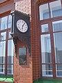 Часы на фасаде здания вокзала, остановленные на момент смерти Л.Н. Толстого.jpg