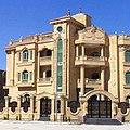 قصر بواجهه من الحجر الهاشمى.jpg