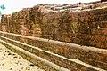 তোতারাম পণ্ডিতের ধাপ বিহারের দেয়াল.jpg