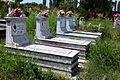 016 Graeber auf dem Friedhof von Fushe Kuqe.JPG