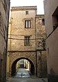 046 Portal de la Trinitat, al Pla de Santa Maria.jpg