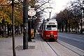 075R22011180 Ring, Haltestelle Bellariastrasse, Blick Richtung Babenbergerstrasse, Allerheiligen, Strassenbahn Linie 35, Typ E1 4634.jpg