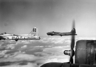 100th Air Refueling Wing - Boeing B-17G-70-BO Fortress 43-37812 (EP-A) 351st BS lost 23 March 1945