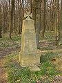 159 - 2. Svíb – pomník s dělovým křížem označuje hromadný hrob 400 rakouských a pruských vojáků.jpg
