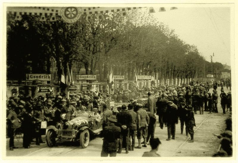 File:1930-04-13 Mille Miglia winner Alfa Romeo Nuvolari Guidotti.jpg