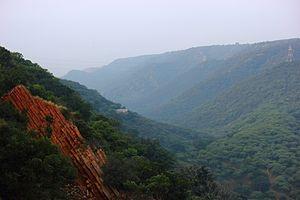 Tectonic evolution of the Aravalli Mountains - The Aravalli Mountain Range in Rajasthan, India