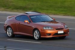 Hola jovenazos ! 250px-2005%E2%80%932007_Hyundai_Tiburon_(GK)_V6_coupe