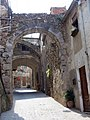 312 Costa de les Monges (Peralada), arcs de la muralla i de Sant Bartomeu.JPG