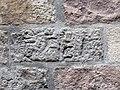 72 Inscripció hebrea al palau del Lloctinent, pl. Sant Iu.JPG