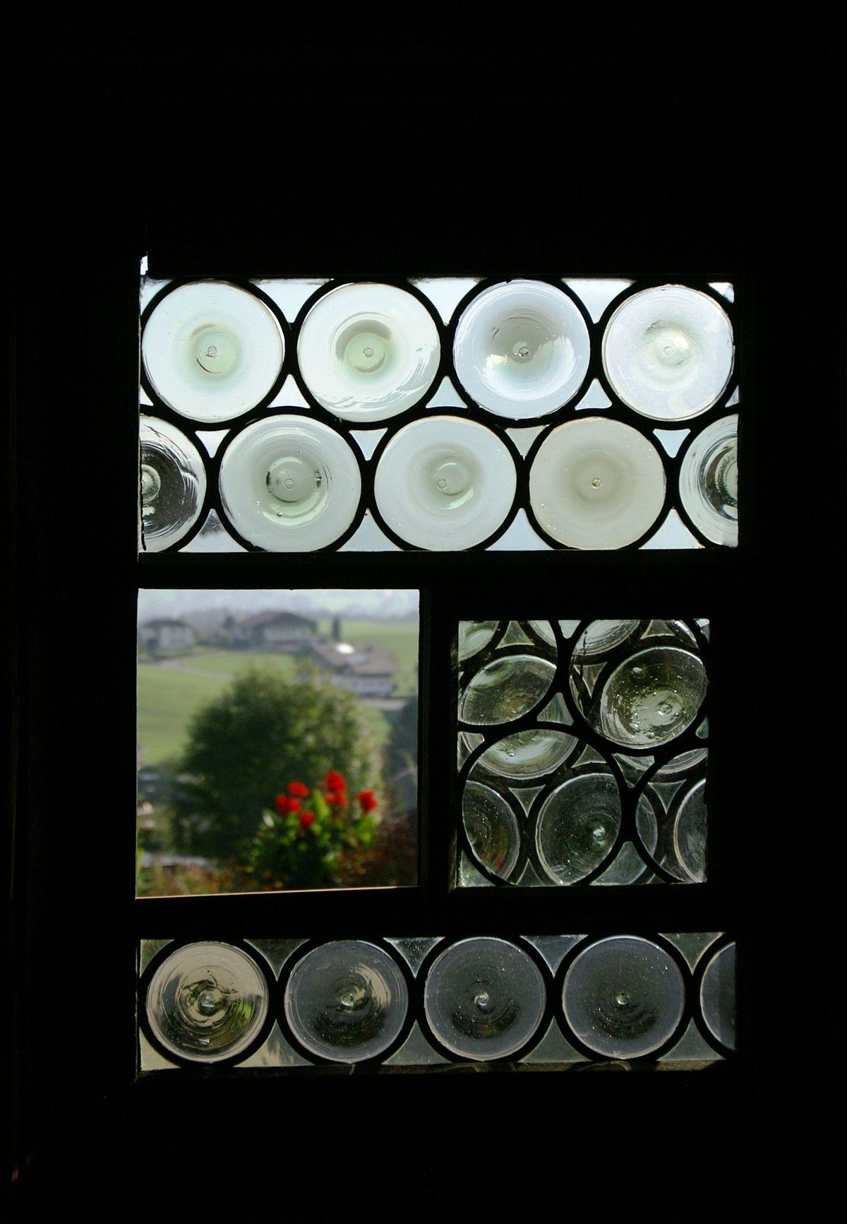 Crown Glass Window Wikipedia