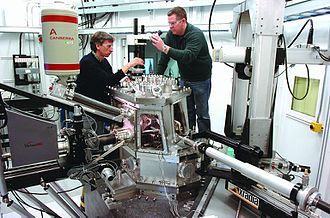 Synchrotron light source - X-ray nanoprobe beamline at the Advanced Photon Source