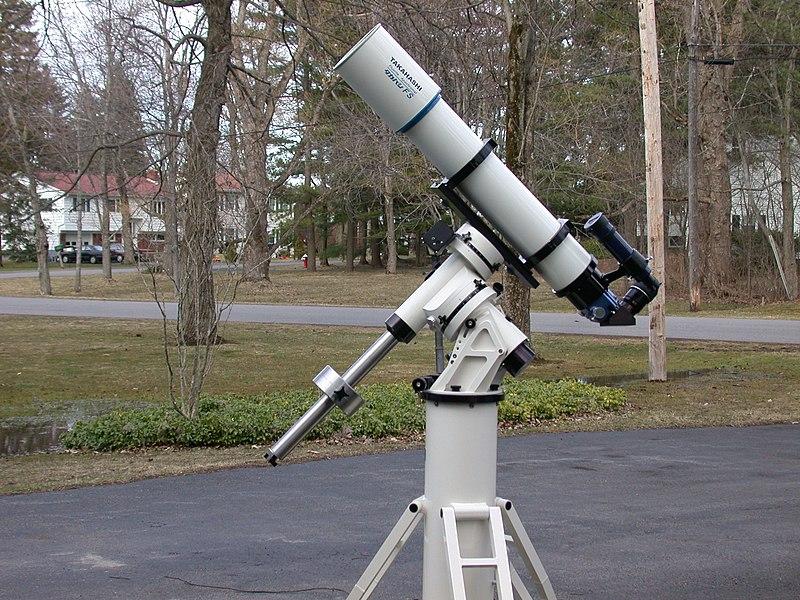 File:AP german equatorial mount with scope.JPG