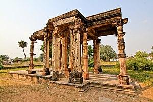 Dhanga - Image: A ruin, pillars at Khajuraho, India