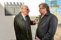 Alexander Wrabetz mit George Pilzer bei der Enthüllung der Oskar-Pilzer-Gedenktafel. (November 2013).jpg