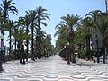 Alicante harbour promenade2.jpg