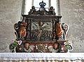 Altaruppsats av sten 1707, Lokrume kyrka, Gotland.jpg