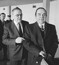 Anatoly Gromyko and Viktor Beletsky 1985b.jpg