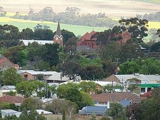 Kapunda - Image: Anglican & Catholic Churches from Gundry's Hill lookout, Kapunda (12)