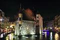 Annecy - Palais de l'Isle de nuit.JPG
