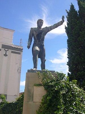 """Combat of El Bruc - Statue of Antoni Franch i Estalella at """"Castells d'Igualada"""" square."""