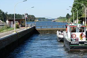 Arbeitsboot Kiebitz.JPG