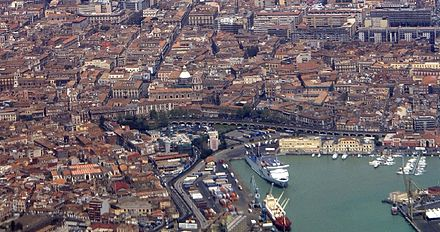 The port of Catania Archimarina.JPG