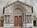 Arles - Trophime 1.jpg