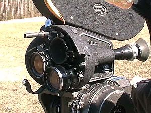 Arriflex 35 - An Arriflex 35 IIB, with three lenses and a 120 m (400 ft) magazine