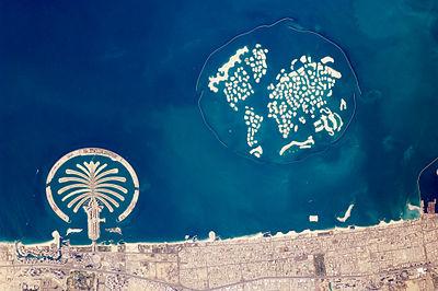 Artificial Archipelagos, Dubai, United Arab Emirates ISS022-E-024940 lrg.jpg