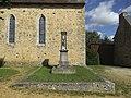 Asnières-sur-Vègre - monument aux morts 01.jpg