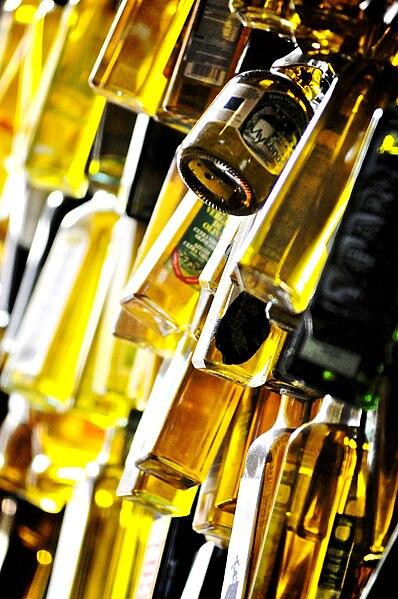 L'huile d'olive est un remède au vieillissement. Source: Silvio Tanaka/ Wikpédia