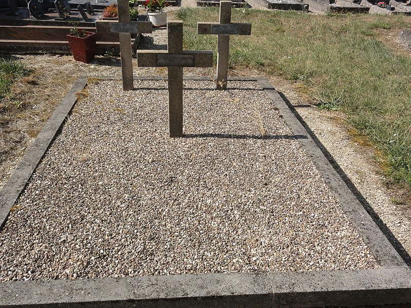 Béthelainville (Meuse) cimetière, tombes de guerre
