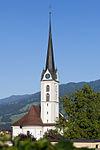 Pfarrkirche St. Gallus (1761, Chor und Turm wieder aufgebaut 1816) mit Beinhaus (1768)