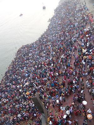 Chhath - Image: Barani Ghat(Vikaramshila Setu, Bhagalpur) Chhath Puja Morning Arghya
