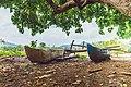 Barque de pêcheurs à Poroani.jpg