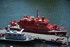 Bateau marin pompier Brest.jpg