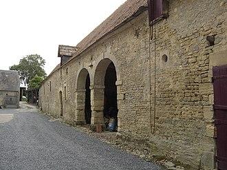 Bazenville - An old barn in Bazenville