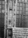 beeldhouwwerk tussen glas in loodramen - amsterdam - 20012078 - rce