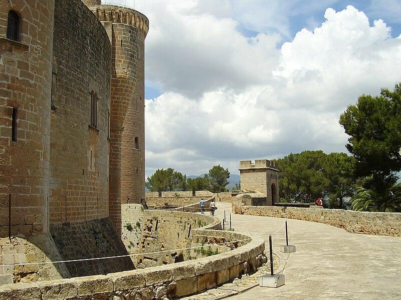 File:Bellver Castle 2008 Palma Mallorca 135.JPG