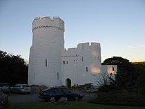 Benton Castle at sunset (geograph 2558939).jpg